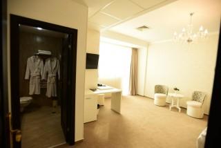 Dotari lux camera hotel Craiova