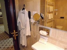 Baie hotel Golden House Craiova