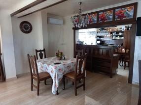 Barul restaurantului de mic dejun Pensiunea Magnolia Craiova