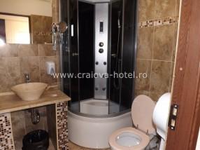Cabina dus camera hotel Craiova