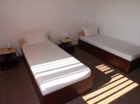 Cazare Craiova Motel camera 2 paturi separate